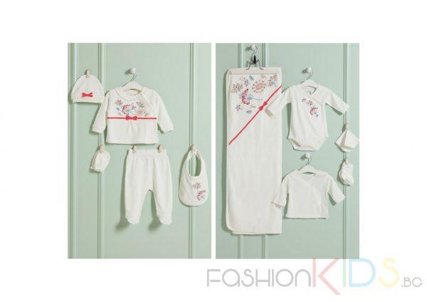 Бебешки комплект за изписване в 10 части за момиче в бял цвят