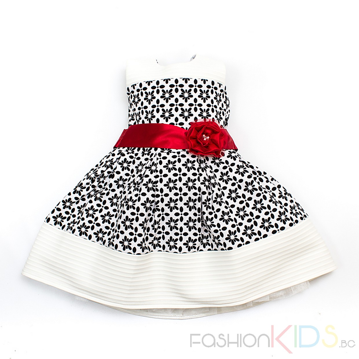 81a751db4a3 Чудесна детска рокля в класическа кройка с къс ръкав. Моделът се закопчава  със скрит цип