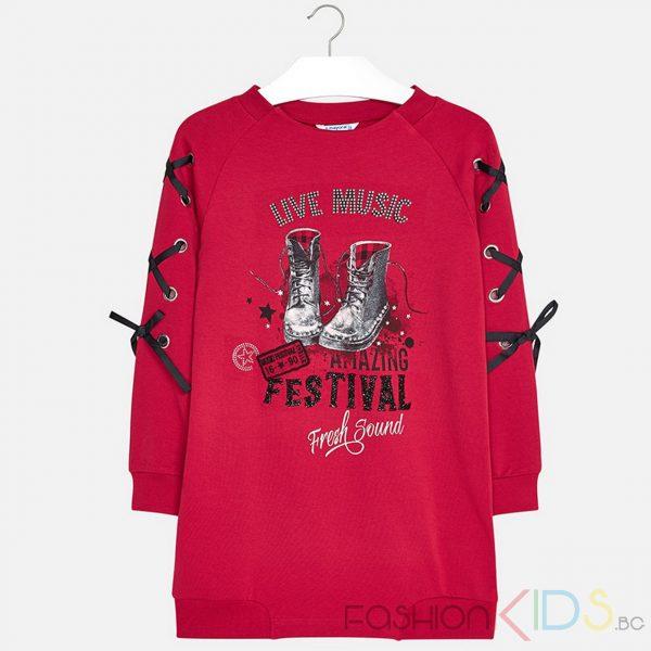 Детска рокля с дълъг ръкав с еластични маншети за момиче. Дрехата е изработена от топъл, плътен плат, шарени мотиви с апликация свързана с музика. Декоративни елементи: декоративни панделки на ръкавите, ситопечатни дизайни, блясък, капси и кръпки.