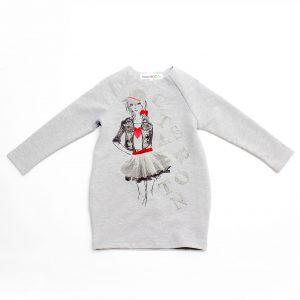 Детска трикотажна спортна рокля в сиво с дълъг ръкав с ефектен принт на момиче