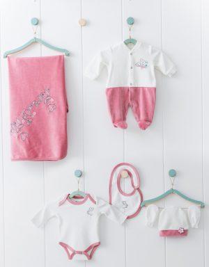 Зимен бебешки комплект за изписване от шест части за момиче в корал и нежна апликация