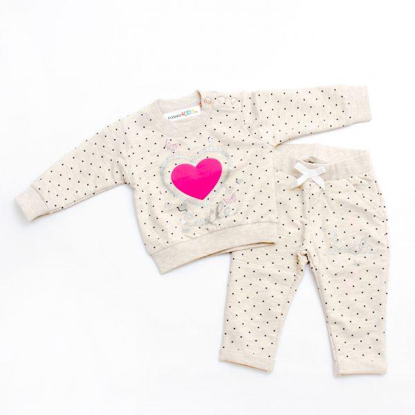 Бебешки комплект от две части за момиче с принт на звездички и щампа със сърце на предната страна в бежово