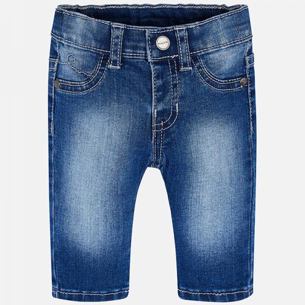 Бебешки дънки за момчеoт колекция Пролет-Лято 2019 на Mayoral .