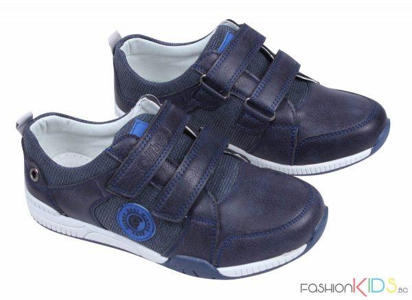 Детски спортни обувки за момче в тъмносиньо с лепки.