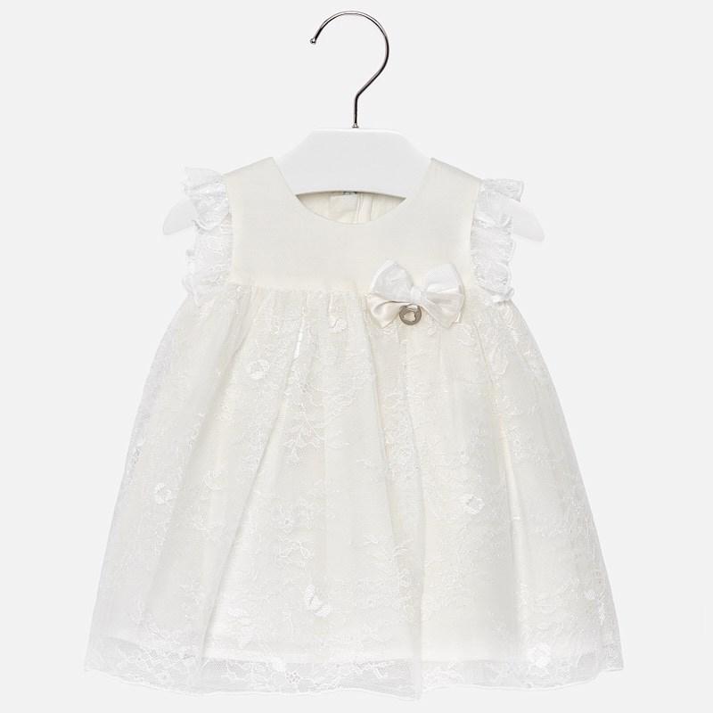 50c2dcf1623 Официална бебешка рокля от дантела в бяло от колеция Пролет- Лято 2019 на  MAYORAL.