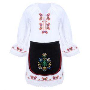 Детска тракийска народна носия за момиче с бродерии, характерни за областта, от две части.