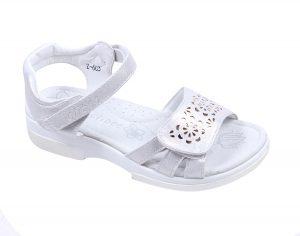 Детски сандали за момиче в бяло, с коригираща велкро лепка и анатомично ходило с естествена стелка