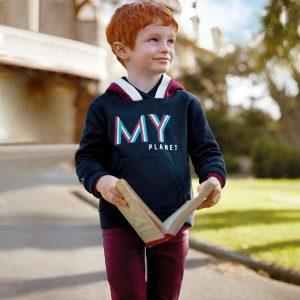 Детски спортно-елегантен панталон за момче в бордо от колекция Есен- Зима 2019/2020 наMAYORAL с коригираща талия.