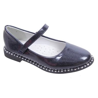 Детски официални лачени обувки за момиче в графит с ефектни нежни блестящи кабзички.
