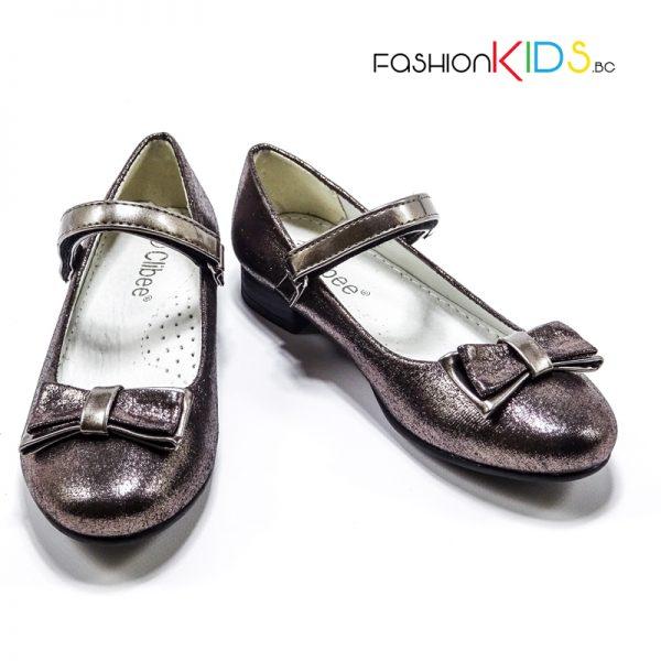 Детски официални обувки за момиче в златисто с ефектна панделка и анатомична стелка.