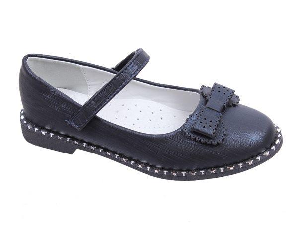 Детски официални обувки за момиче в черно с ефектни нежни блестящи кабзички и красива панделка .