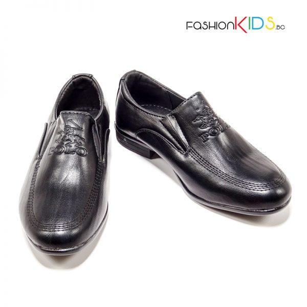 Детски официални обувки за момче в черно без връзки и леко заострени.