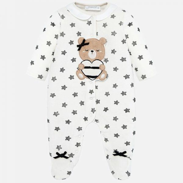Бебешки топъл гащеризон за новородено момиченце от колекция Есен- Зима 2019/ 2020 на MAYORAL с меченце със сърце и принт на звезди.