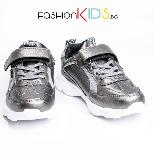 Универсални детски маратонки в сребристо с велкро лепка и ластични връзки с естествена анатомична стелка
