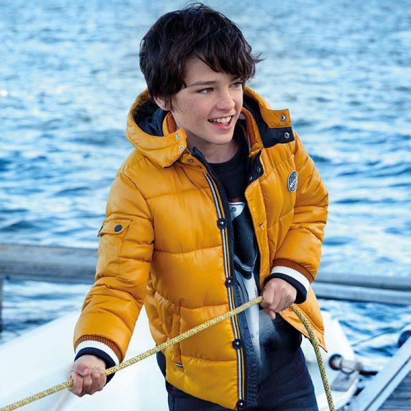 Юношеско дебело зимно яке за момче в горчица с качулка от колекция Есен- Зима 2019/2020 на MAYORAL.