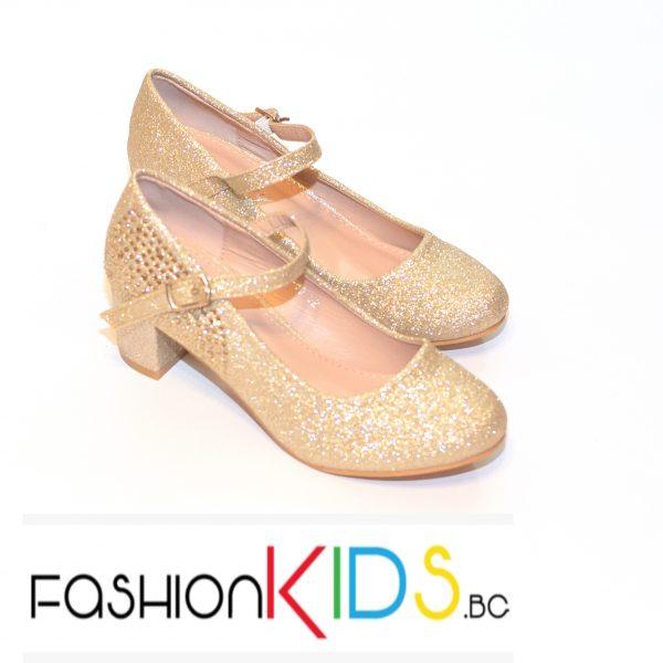 Детски официални обувки за момиче в златисто на ток с коригираща каишка и естествена стелка.