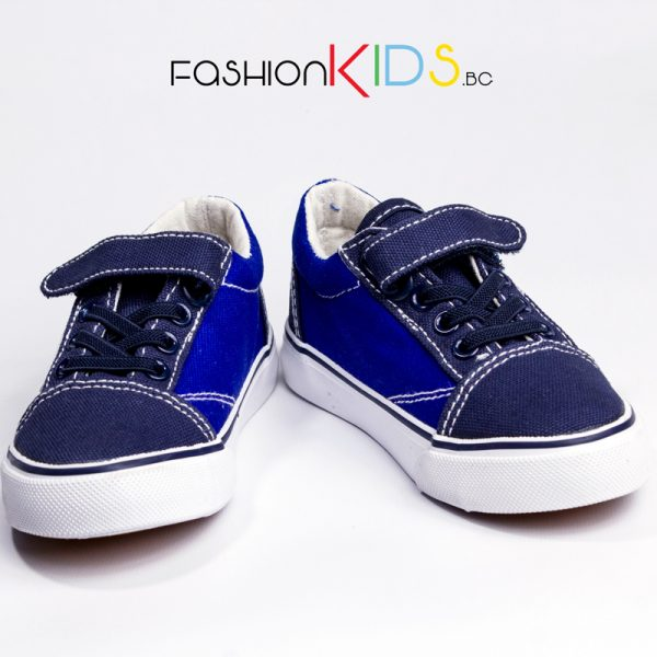 Детски спортни обувки за момче с коригираща велкро- лепка в тъмно и светлосиньо и с анатомично ходило