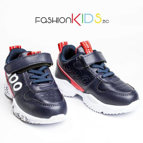 Универсални детски маратонки- сникърси в тъмносиньо и червено с велкро лепка и коригиращи ластични връзки с ефектна цветна подметка