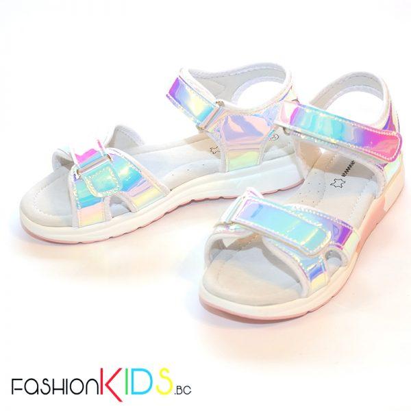 Детски спортно- елегантни сандали за момиче в бяло с огледален хамелеонест ефект