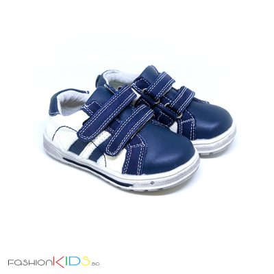 Бебешки обувки за момче в тъмносиньо и бяло от естествена кожа с анотомично ходило и две коригиращи велкро лепки
