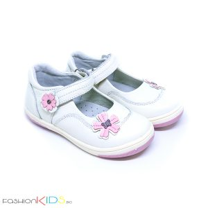 Детски обувки за момиче в бяло от естествена кожа с анотомично ходило и коригираща велкро лепка