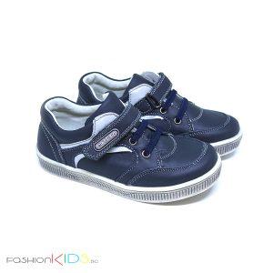 Детски спортно- елегантни обувки за момче в тъмносиньо от естествена кожа с анотомично ходило и коригираща велкро лепка и вързанки- ластик.