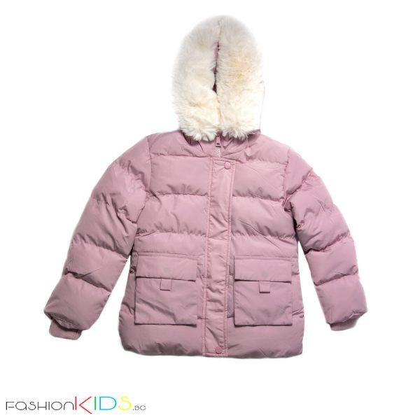 Детско зимно яке за момиче в розово с голяма пухена бяла качулка