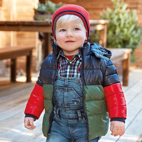 Многоцветно бебешко зимно яке MAYORAL за момче със сваляща се качулка
