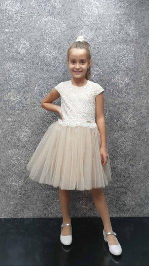 Детска официална рокля с тюл и дантела в екрю с къс ръкав и ефектна панделка на гърба