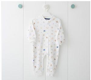 Бебешки гащеризон- пижама за момче в бяло със забавен принт на домашни животни