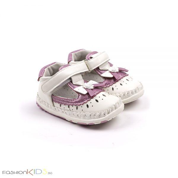 Бебешки анатомични обувки за прохождане за момиче в бяло с розово с коригираща велкро лепка, нежна декорация на цветенца и естествена стелка
