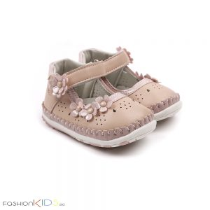 Бебешки анатомични обувки за прохождане за момиче в розово с коригираща велкро лепка, нежна декорация на цветенца и естествена стелка