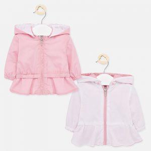Двулицево бебешко яке за момиче от колекция Пролет- Лято на MAYORAL в розово с подвижна качулка.