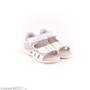 Бебешки сандали за момиче в бяло с анатомична подметка от естествена кожа със затворена пета и отворени пръсти
