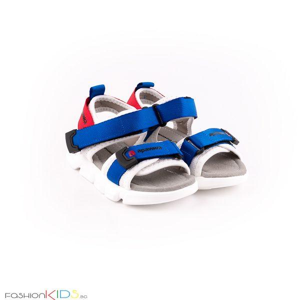 Детски сандали за момче в синьо с анатомично ходило и коригиращи велкро лепки.