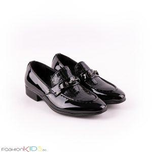 Детски официални лачени обувки за момче в черно без връзки, леко заострени и анатомично ходило