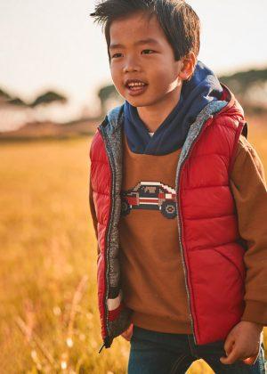 Детски елек MAYORAL с две лица и качалка за момче в сиво и червено.